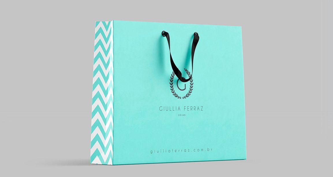 Criação de layout para sacola da marca Giullia Ferraz Store